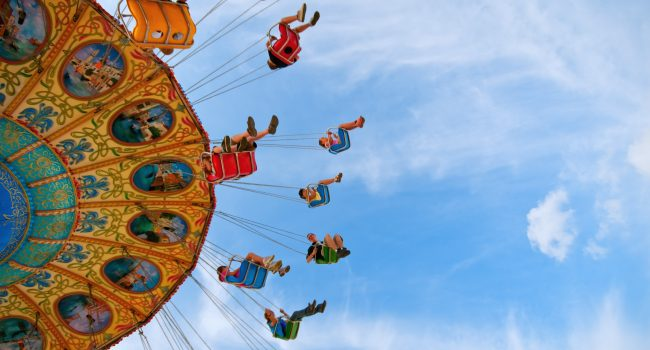 How are amusement parks liable if people are injured on their rides?